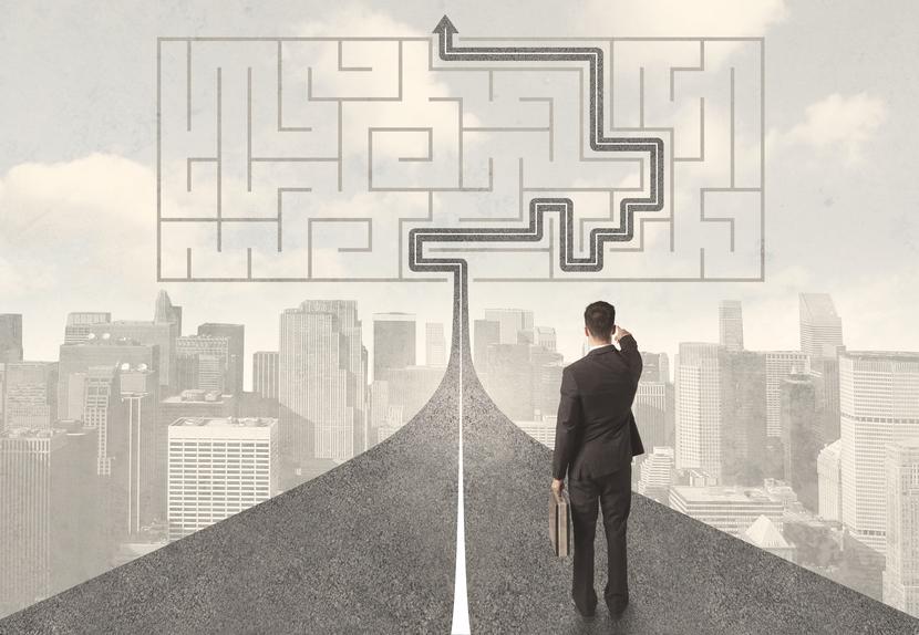 Führungkräfteentwicklung Führungskräfte Entwicklungsangebote Labyrinth Businessmanpng